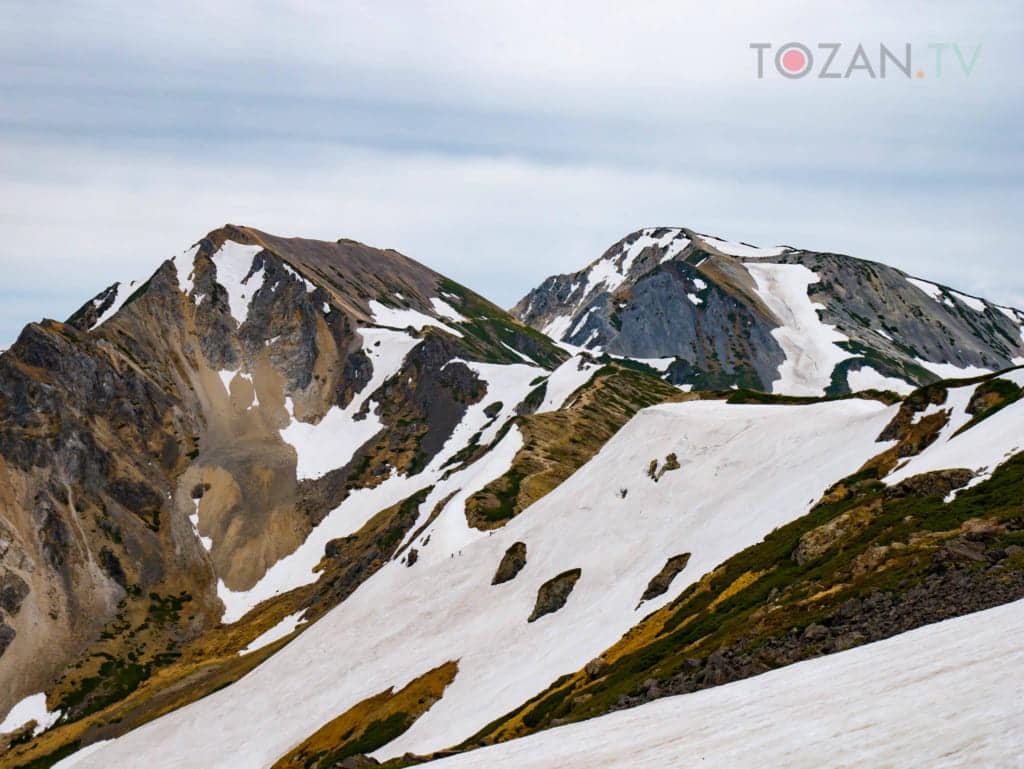 小雪渓からの杓子岳、鑓ヶ岳