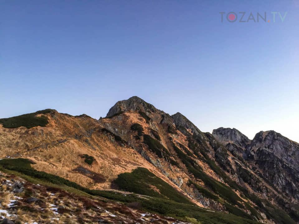 劔沢から剱岳を見上げる