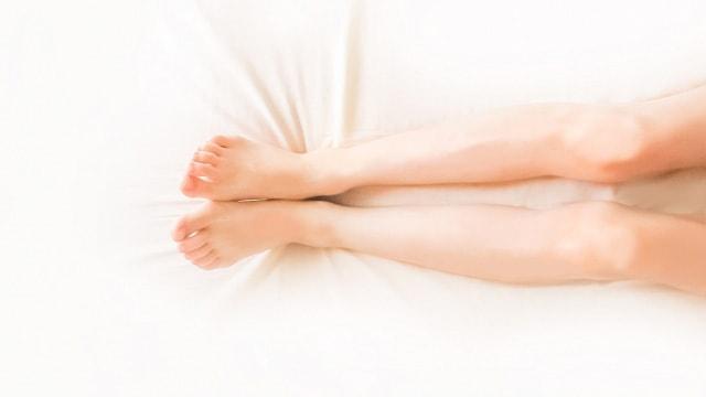 足を伸ばすイメージ